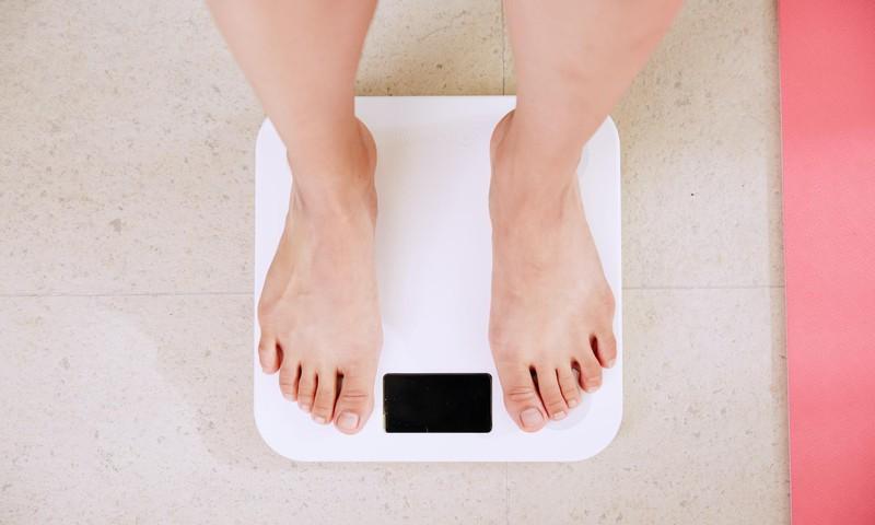 valtige rullide kaalulanguse ajal rasva poletamine fookus